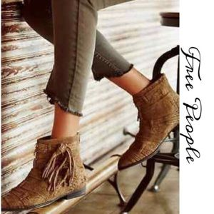 FREE PEOPLE DECADES SUEDE ANKLE BOOT